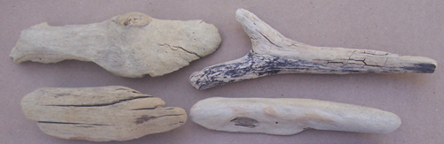 4 small pieces of driftwood
