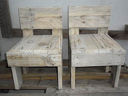 pallet wood kiddies chairs
